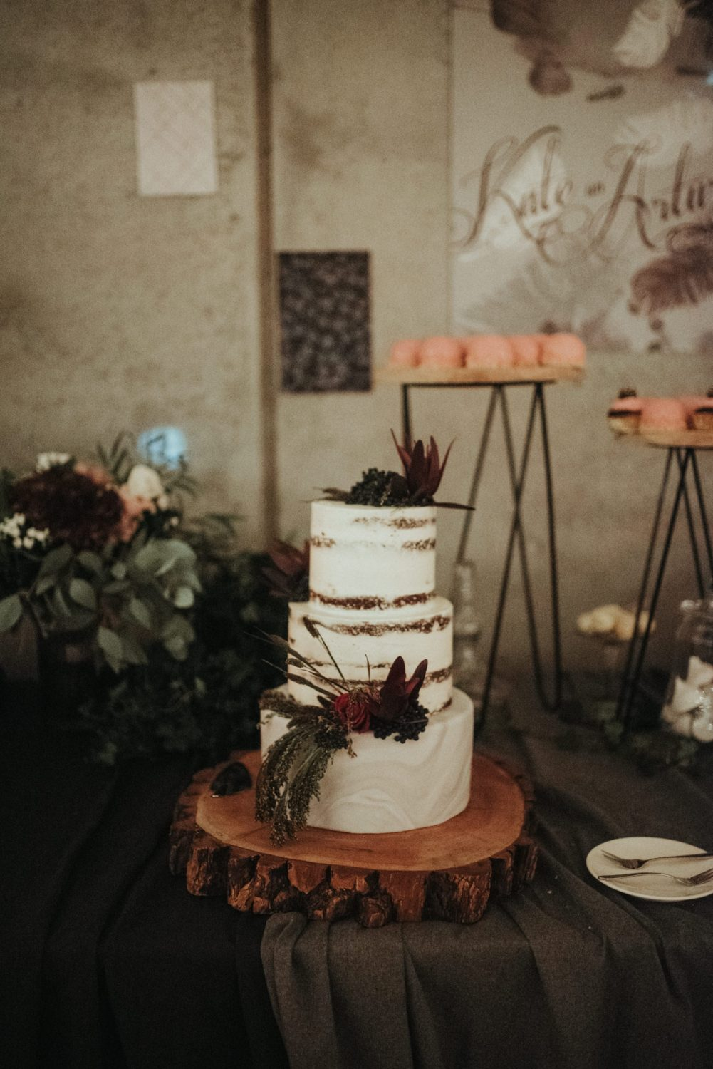Wedding cake, burgundy colors.
