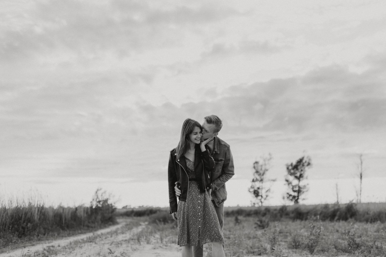 creative-couple-photoshoot-outdoors-by-miks-sels-photography-2