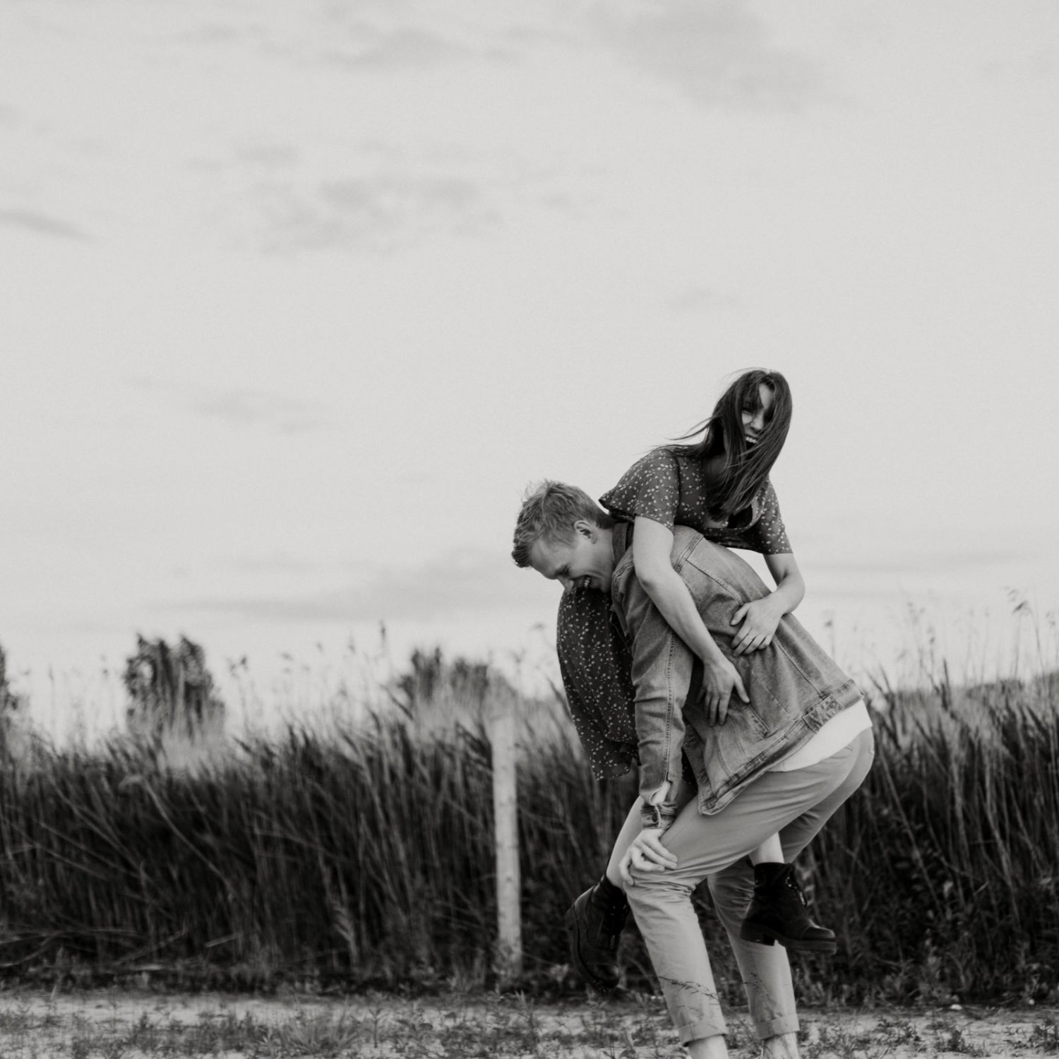 creative-couple-photoshoot-outdoors-by-miks-sels-photography-54