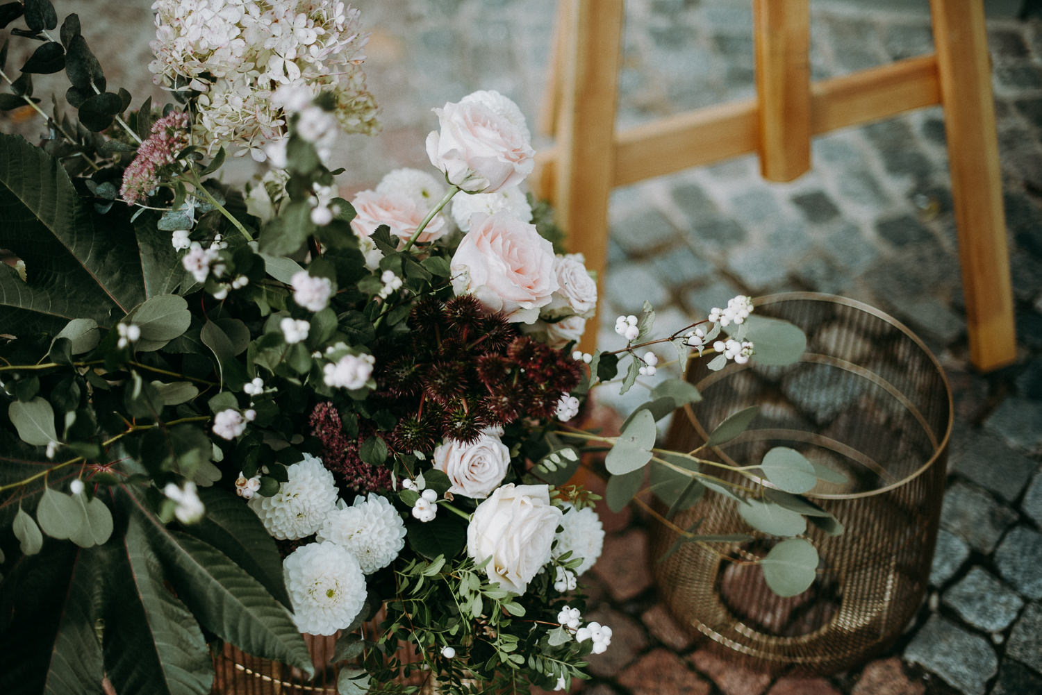 classy and elegant autumn wedding in manor-34