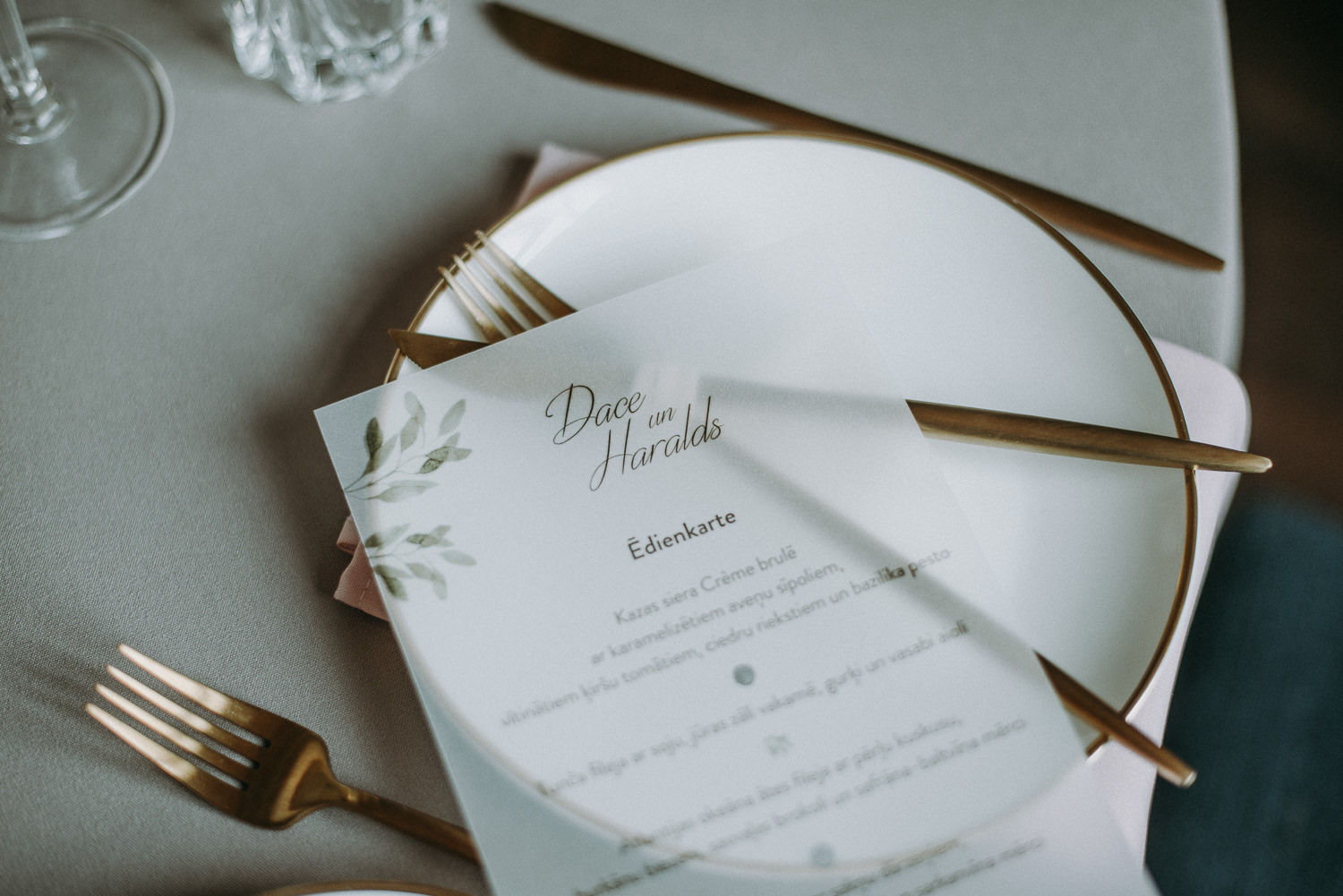 classy and elegant autumn wedding in manor-35