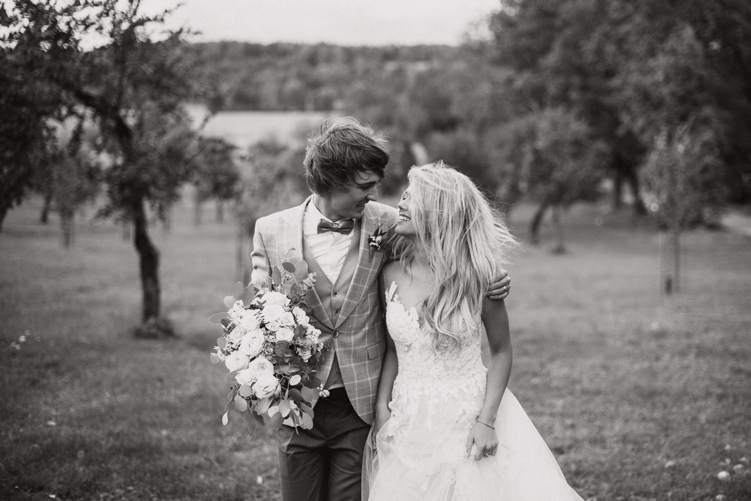 classy and elegant autumn wedding in manor-45