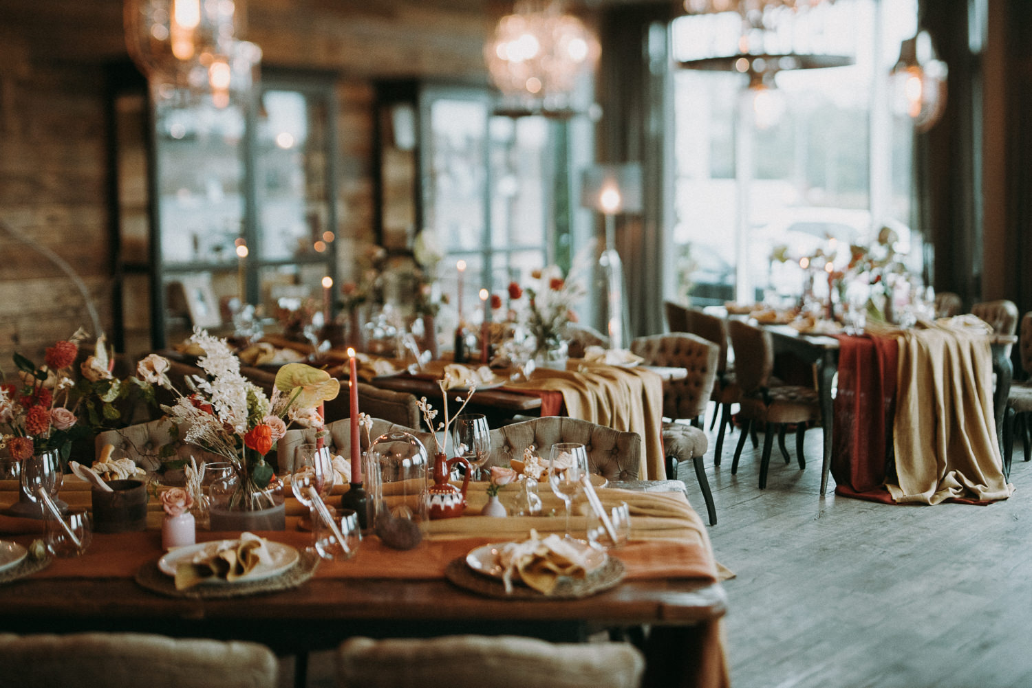 intimate and soulful autumn wedding in restaurant laivas-54