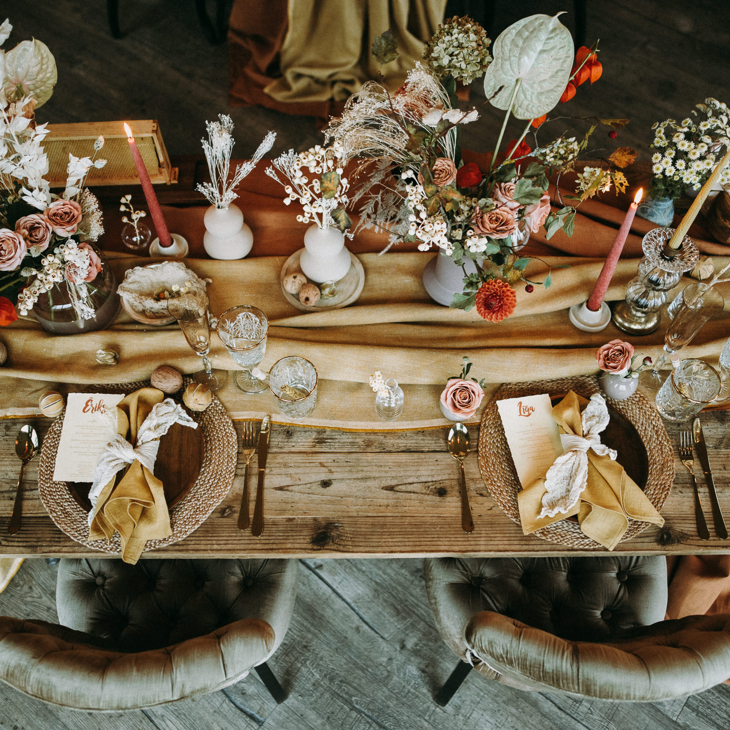 intimate and soulful autumn wedding in restaurant laivas-57