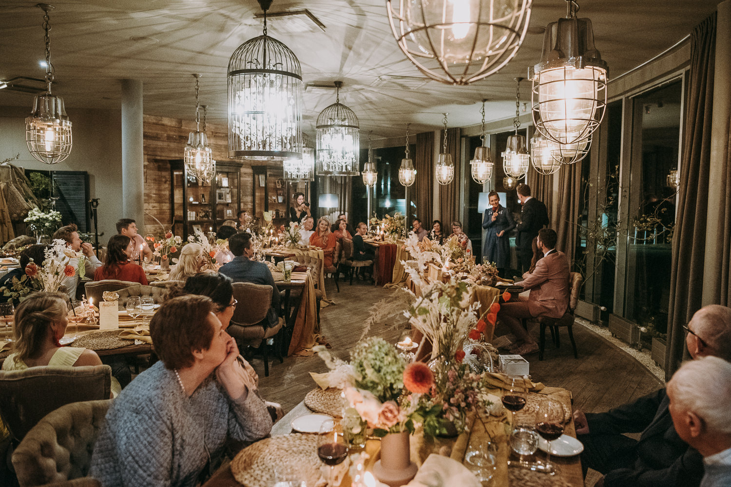 intimate and soulful autumn wedding in restaurant laivas-89
