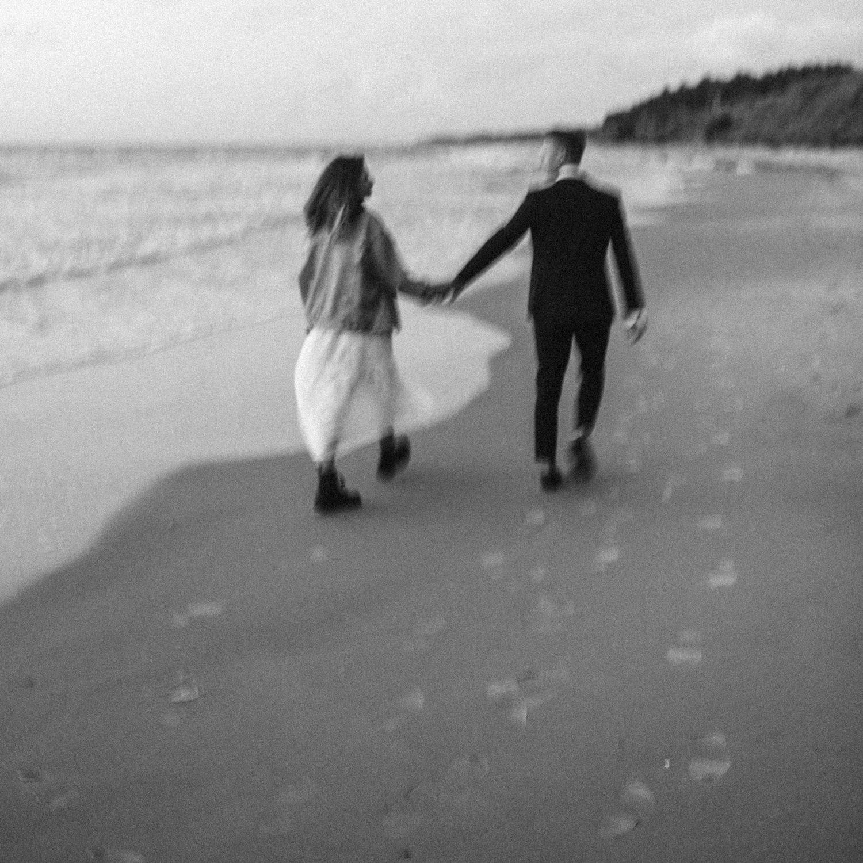 seaside micro wedding boho vibes with close friends-103