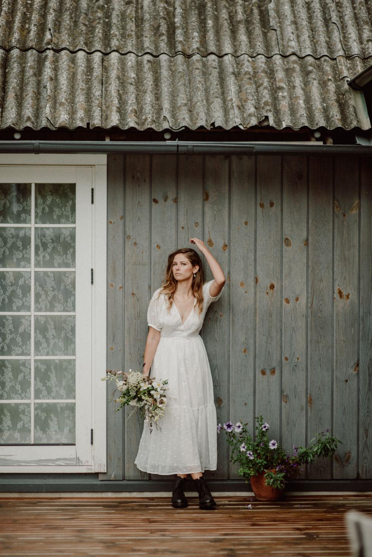 seaside micro wedding boho vibes with close friends-32