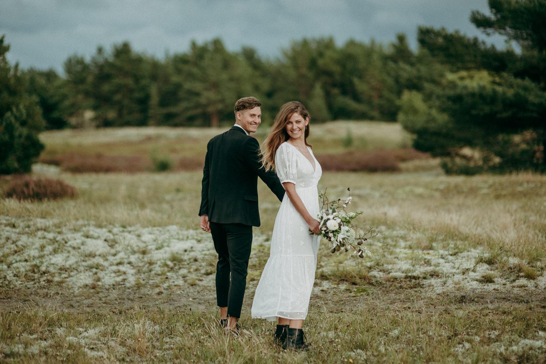 seaside micro wedding boho vibes with close friends-37