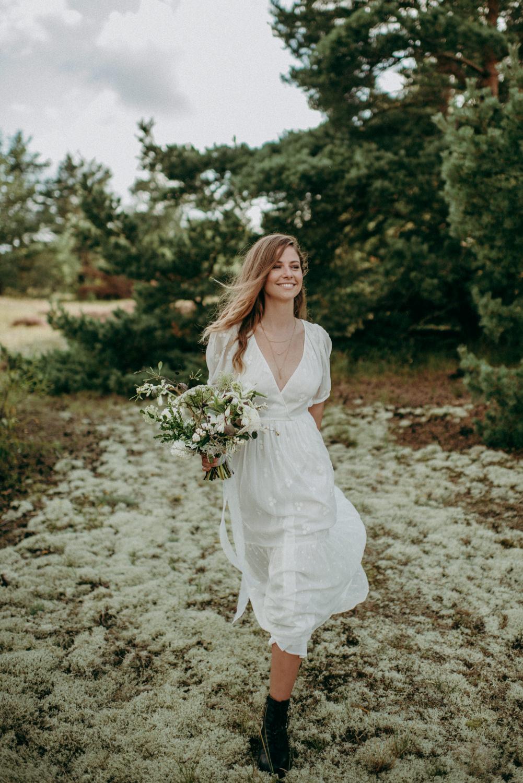 seaside micro wedding boho vibes with close friends-44