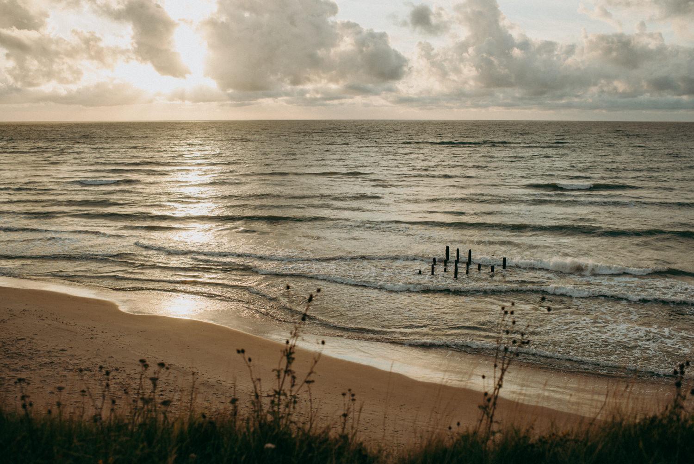 seaside micro wedding boho vibes with close friends-55