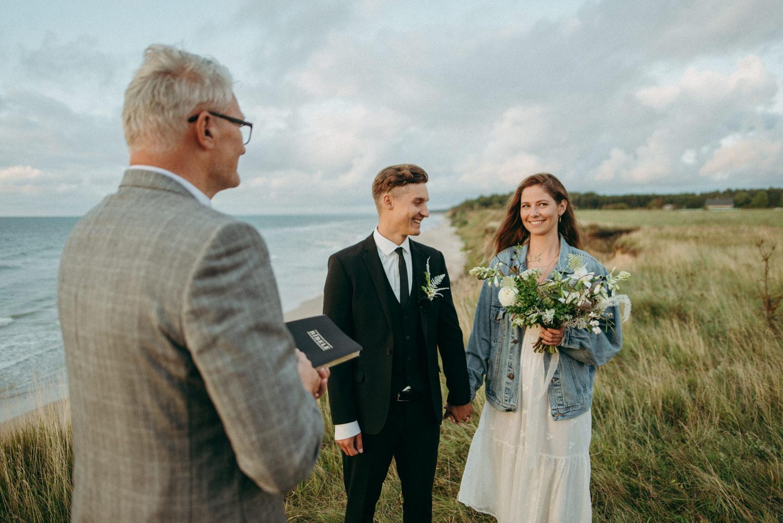 seaside micro wedding boho vibes with close friends-60