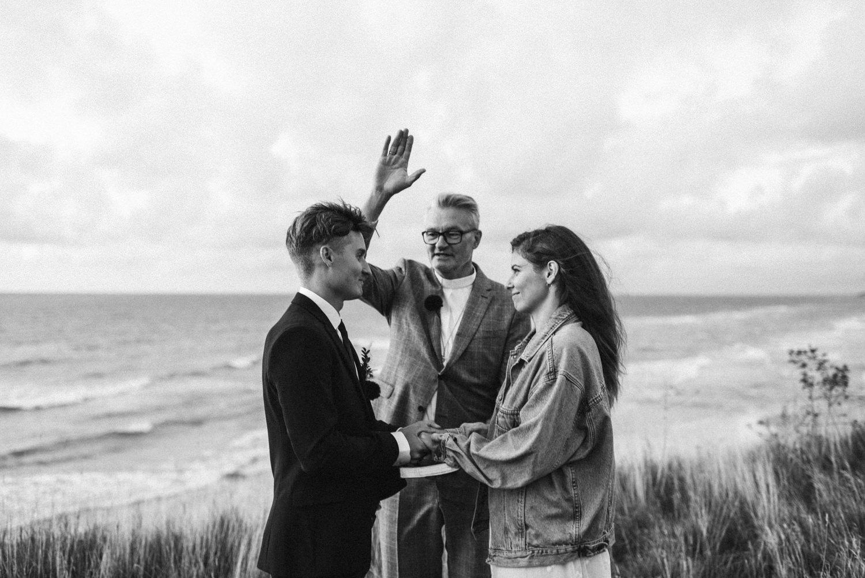 seaside micro wedding boho vibes with close friends-68