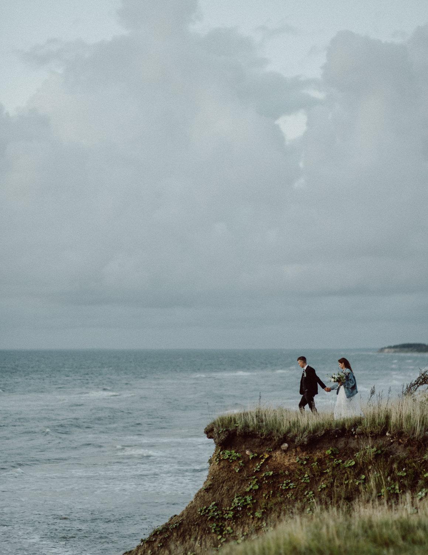seaside micro wedding boho vibes with close friends-80