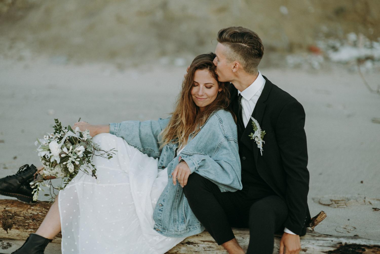 seaside micro wedding boho vibes with close friends-96